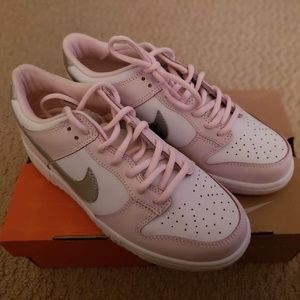 Vintage Nike Dunk Low Youth Shoes